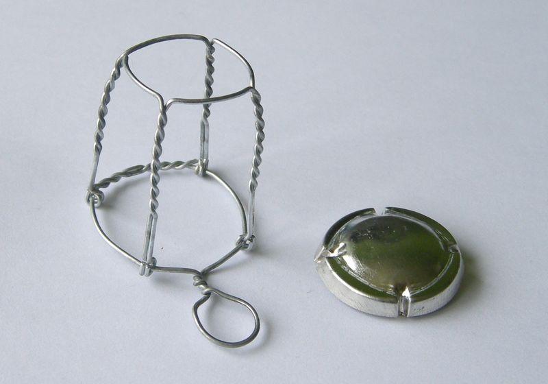Muselet_capsule_wire-cap
